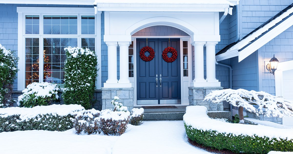 buying and selling homes during the holidays