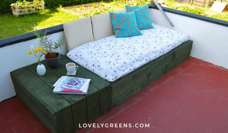 pallet patio daybed